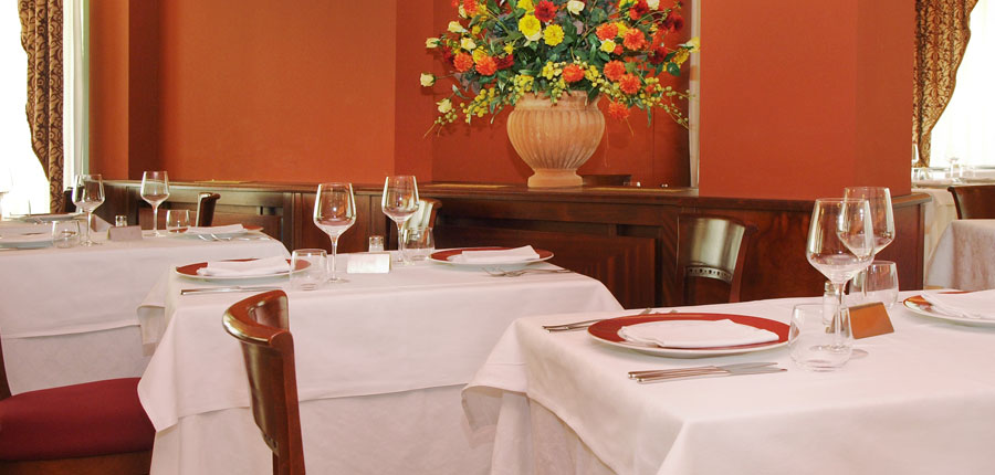 Hotel Villa Nicolli, Riva, Lake Garda, Italy - restaurant detail.jpg